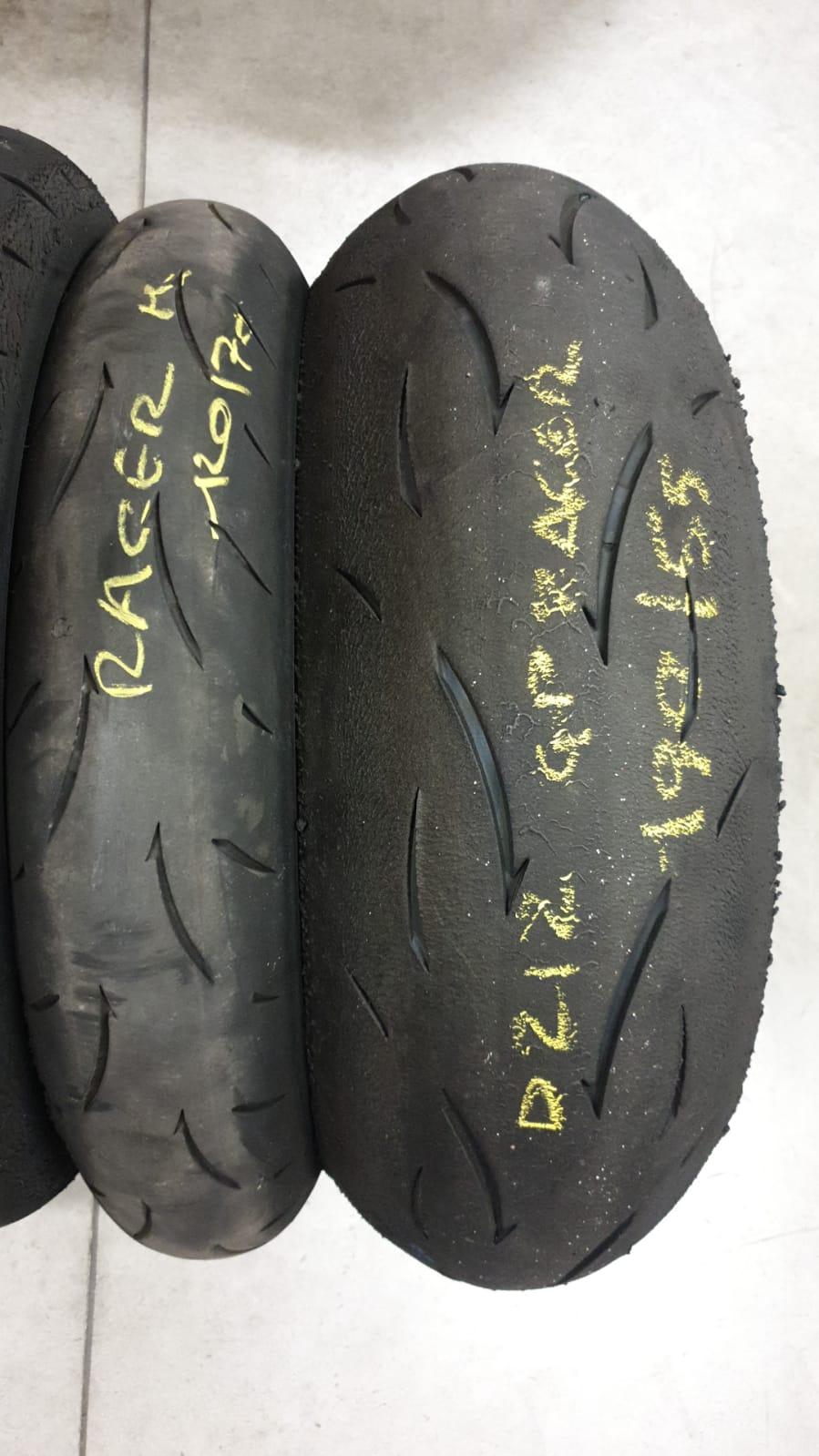 Pneumatici Dunlop D212 GP RACER 120/70 + 190/55 17